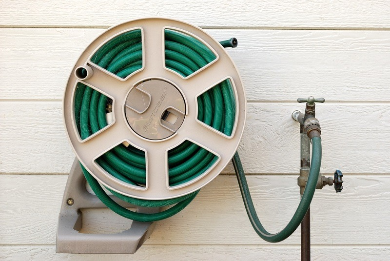 Finding The Best Hose Reel: A Buying Guide